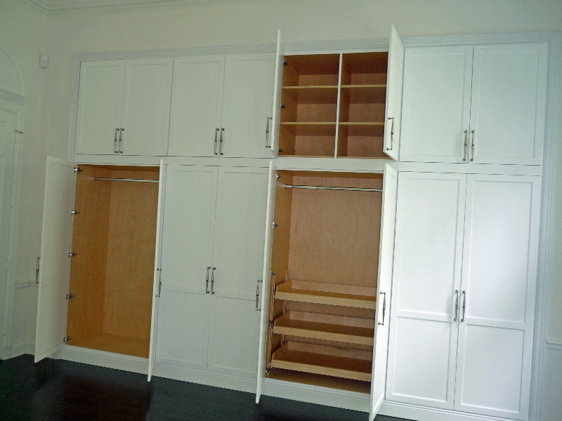 cl3. Custom Closets and Bedroom Storage   European Cabinets and Design
